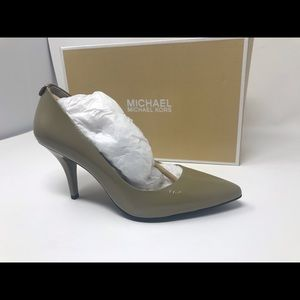 Michael Kors mid heels. Perfect condition.